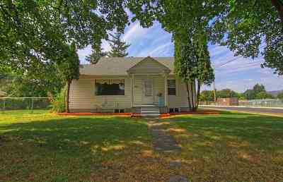 Single Family Home For Sale: 2721 N Dale Rd