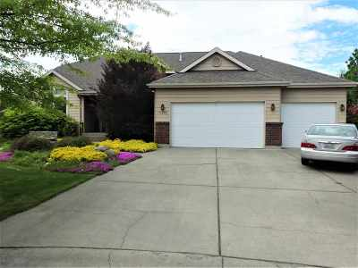 Liberty Lk Single Family Home For Sale: 24604 E Maxwell Dr