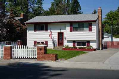 Single Family Home Chg Price: 3708 W Wellesley Ave