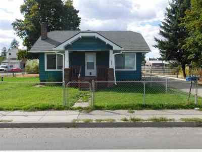 Single Family Home New: 6805 N Market St