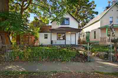 Single Family Home For Sale: 2928 E Queen Ave