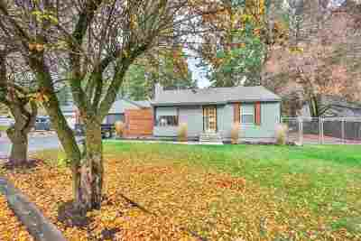 Spokane Single Family Home For Sale: 9003 E South Riverway Ave