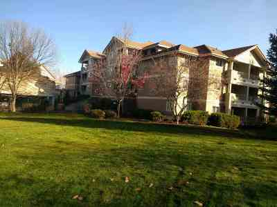 Condo/Townhouse For Sale: 639 N Riverpoint Blvd #J404