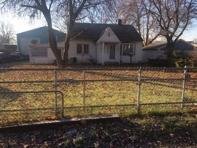 Spokane Valley Single Family Home Ctg-Short Sale: 13624 E Wellesley Ave