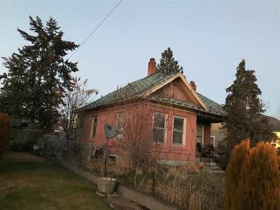 Spokane Single Family Home Ctg-Short Sale: 1633 E Providence Ave