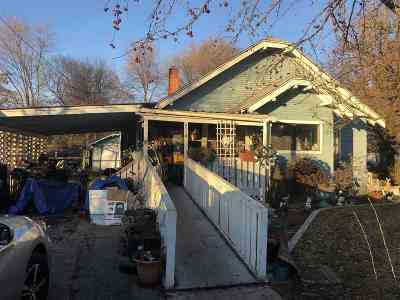 Spokane Valley Single Family Home Ctg-Short Sale: 7119 E Fairview Ave