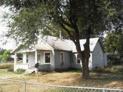 Single Family Home For Sale: 760 S Juniper St