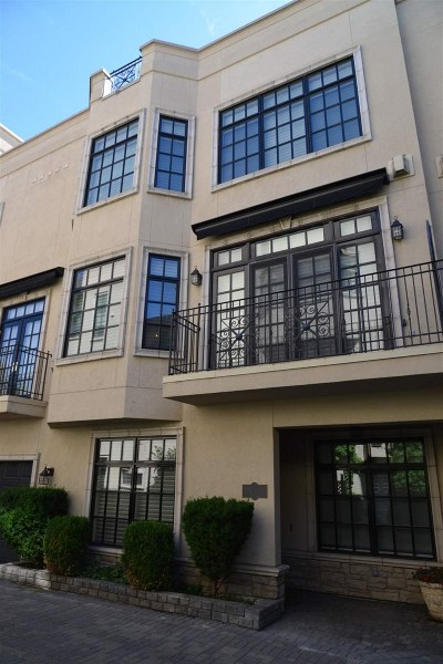Spokane County Condo/Townhouse Chg Price: 1211 W Riverside Ave #1211