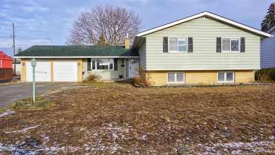 Single Family Home Chg Price: 2020 W Courtland Ave
