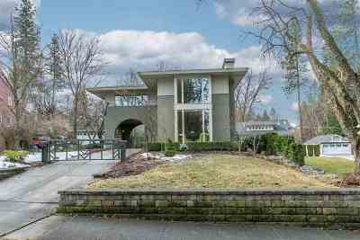 Spokane Single Family Home For Sale: 910 E Overbluff Rd