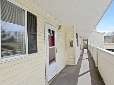 Spokane Valley Condo/Townhouse For Sale: 222 N Hutchinson Rd # 202