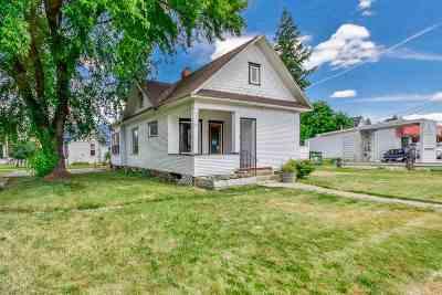 Deer Park Single Family Home For Sale: 105 E Crawford St