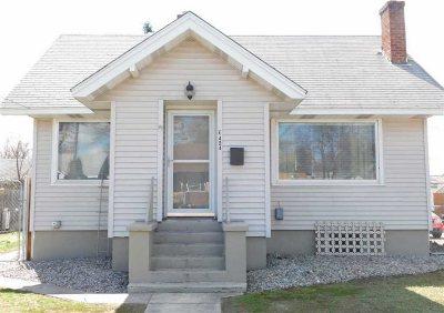Single Family Home For Sale: 424 E Bridgeport Ave