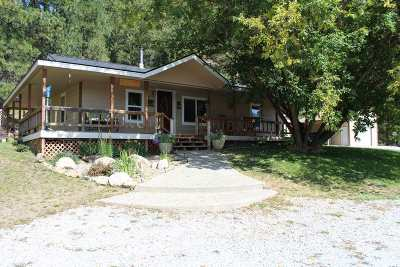 Newport Single Family Home For Sale: 301 Pines Rd