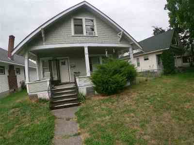 Single Family Home For Sale: 711 E Illinois Ave