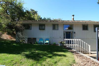 prosser Single Family Home Active U/C W/ Bump: 1047 Elm Street