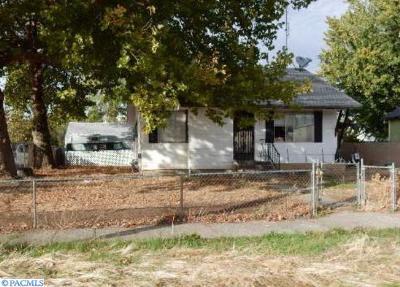 Walla Walla Single Family Home For Sale: 224 McAuliff Avenue