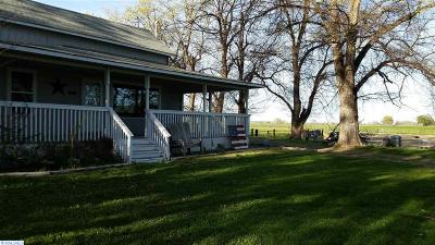 prosser Single Family Home For Sale: 167608 W Johnson