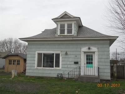 Sunnyside Single Family Home For Sale: 421 S 11th Street