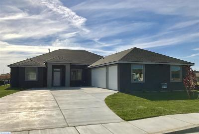 Pasco Single Family Home For Sale: 6002 Cotswold Lane