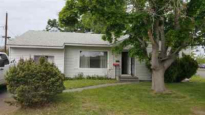 Kennewick Single Family Home For Sale: 1002 S Benton Street