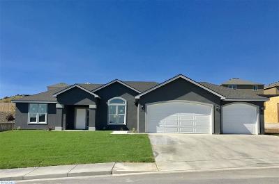 First Place Ph1, First Place Ph2, First Place Ph3, First Place Ph4, First Place Ph6 Single Family Home For Sale: 3904 Cook Lane