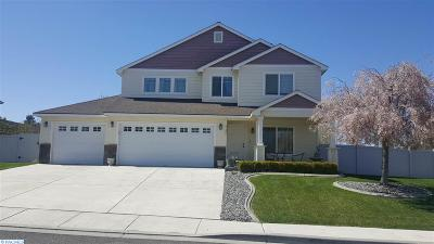 Kennewick Single Family Home For Sale: 4106 S Palouse Place