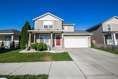 Pasco Single Family Home For Sale: 5511 Oriole Ln