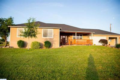 prosser Single Family Home Active U/C W/ Bump: 11103 N Albro Road