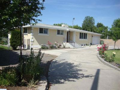 Pasco Single Family Home For Sale: 7617 W Court St.