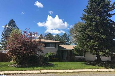 Kennewick Single Family Home For Sale: 663 N Sheppard St