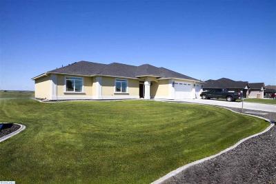 Pasco Single Family Home For Sale: 11503 Easton Dr.
