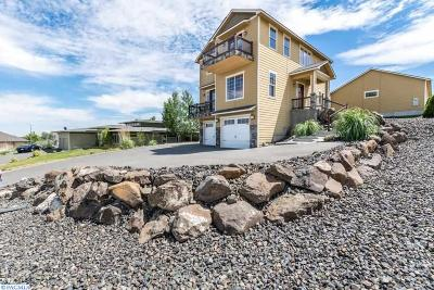 West Richland Single Family Home For Sale: 4840 Hershey Ln