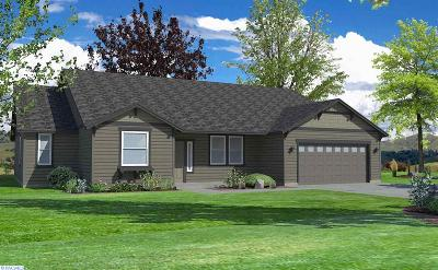 West Richland Single Family Home For Sale: 1043 Amber Ave.