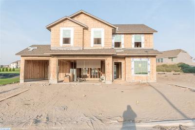 Pasco Single Family Home For Sale: 5806 Nauvoo Lane