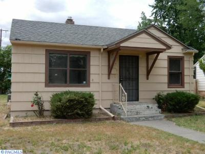 Kennewick Single Family Home For Sale: 824 S Alder Street