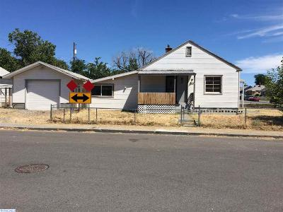 Kennewick Single Family Home For Sale: 203 E 2nd Ave