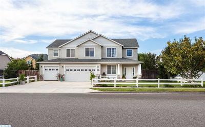 Pasco Single Family Home For Sale: 4611 Antigua Drive