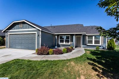 Pasco Single Family Home For Sale: 5912 Maryhill Lane