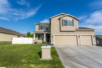 Pasco Single Family Home For Sale: 3307 Calder Ln