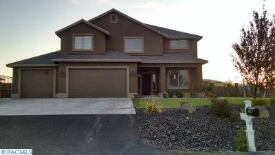 Kennewick Single Family Home For Sale: 90436 Summit View Dr.