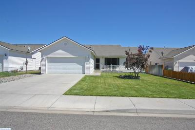 Pasco Single Family Home For Sale: 5007 Oxford Ln