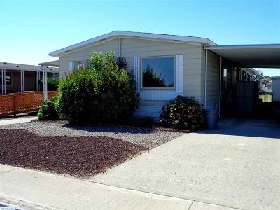 Kennewick Mobile/Manufactured For Sale: #44 Desert Pines Mbh Park
