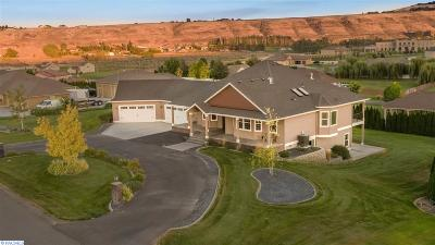 Kennewick Single Family Home For Sale: 100425 E Canyon View Dr