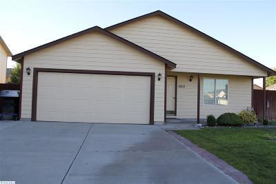 Pasco Single Family Home For Sale: 8203 Lummi Dr