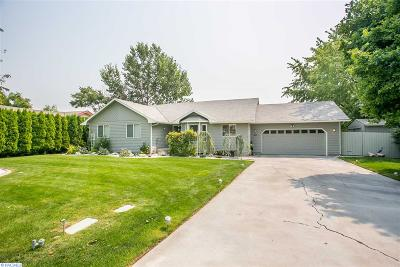 Kennewick Single Family Home For Sale: 411 S Green Place