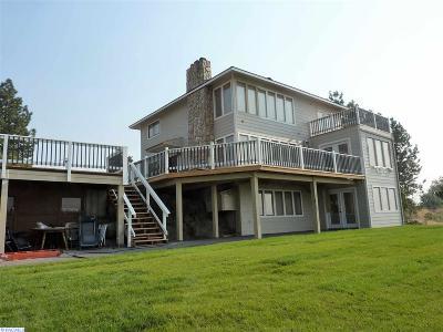 Burbank Single Family Home For Sale: 1175 Sun Harbor Dr.