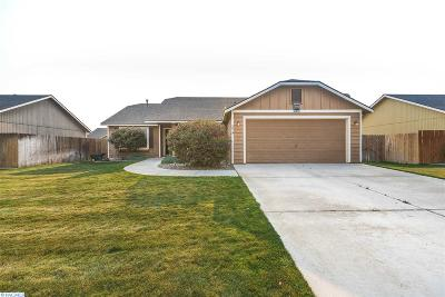 Pasco Single Family Home For Sale: 5819 Maryhill Ln