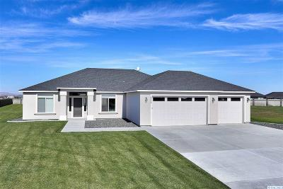 Pasco Single Family Home For Sale: 6402 Nocking Point Road