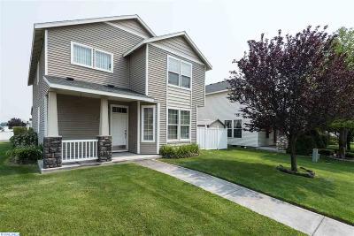 Pasco Single Family Home For Sale: 4711 Arabian Lane
